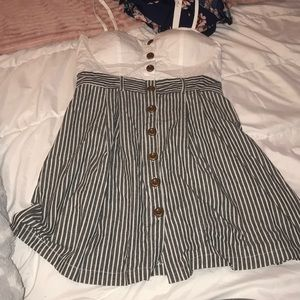 Large stripped mini dress padded with buttons